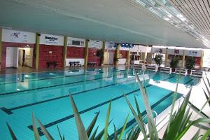 Schwimmbecken im Hallenbad Neustadt