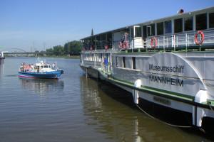 Museumsschiff und Polizeiboot TECHNOSEUM