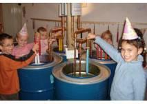 Kindergeburtstag Berlin: Feuer & Flamme -Die Kerzenwerkstatt