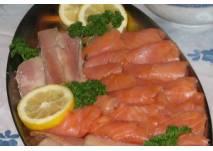 Fischplatte mit Lachs und Forelle