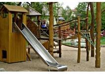 Spielplatz Correllsche Insel im Leinbachpark Neckargartach (c) Stadt Heilbronn