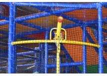 Ballkanone auf dem Indoor Spielplatz