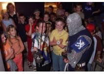 Kinder mit Ritter