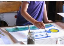 Kinder beim Malen