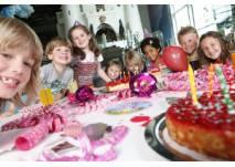Lachende Kinder beim Kindergeburtstag im Sensapolis Böblingen, Foto: Sonja Bell