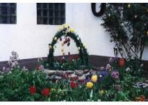 Bunte Eier bestaunen (c) Lausitzer Ostereiermuseum