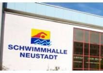 Schwimmhalle in Halle Neustadt (c) Stadt Halle
