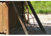 Klettergerüst auf dem Spielplatz