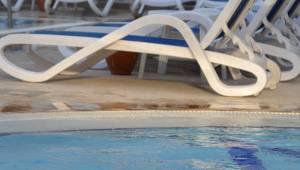 Liege am Schwimmbad