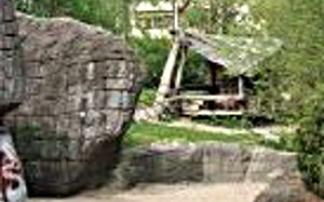 """Spielplatz """"Ayers Rock"""" in Berlin-Mariendorf"""