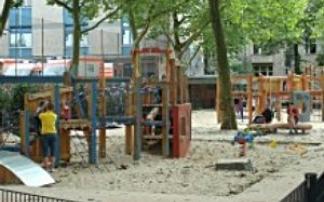 Spielplatz in der Görrestraße in Berlin, © Antje Griehl