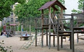 spielplatz am habermannplatz in berlin mamilade ausflugsziele. Black Bedroom Furniture Sets. Home Design Ideas