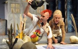 """Mittelsächsisches Theater in Freiberg - """"Frau Holle""""(c)André Braun"""