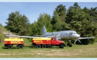 G5 vor einer IL14 im Luftfahrtmuseum Finowfurt