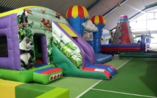 Blick in den Indoor-Spielplatz Happyland Nattheim