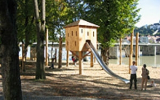 Kletterbogen Spielplatz : Kinderspielplatz in passau an der innpromenade mamilade ausflugsziele