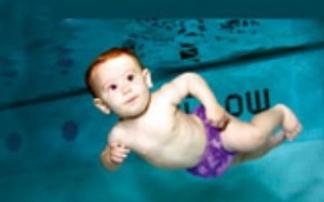 Babyschwimmen im Juramare (c) Stadtwerke Gunzenhausen GmbH