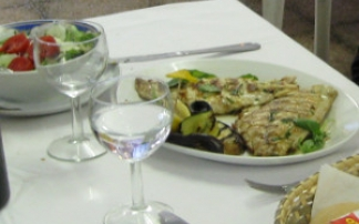 Frisch zubereiteter Fischteller
