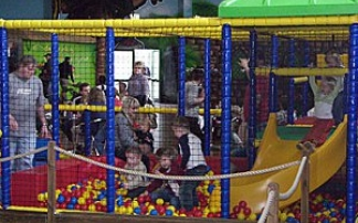 Kinder-Indoor-Spielparadies Pader-Bini-Land