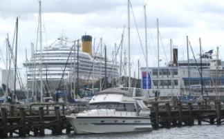 Schiffserlebnisse - Warnemünder Mole und Rostocker Hafen