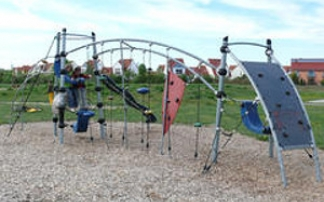 Klettergerüst auf dem Spielplatz Lückenweg in Celle