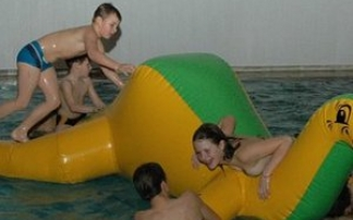 SpielSpaß im Freizeitbad (c) Thyragrotte Stolberg