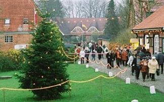 Weihnachtsmarkt auf Gut Basthorst (c) Gut Basthorst Gutsverwaltung