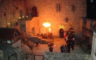 Weihnachtsmarkt auf Burg Katzenstein (c) Burg Katzenstein, Roswitha Walter
