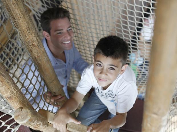 Vater und Sohn im Adventure-Trail des Sensapolis
