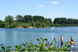 Blick über den Badesee Heddesheim