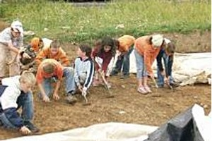 Kinderführung im Belginum Archäologiepark in Morbach