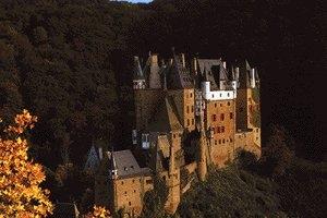Führung durch die Burg Eltz und deren Schatzkammer