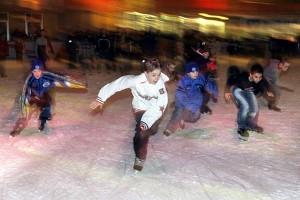 Kinder im Eisstadion Adendorf