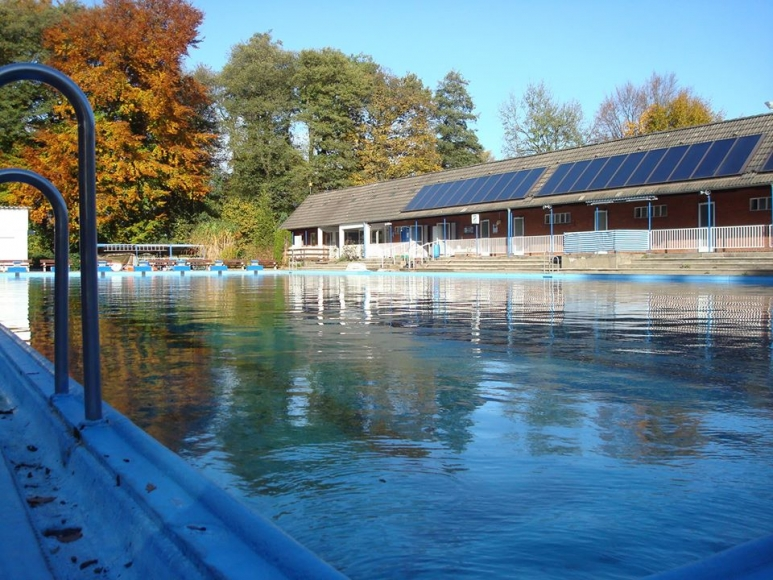 Poseidon-Freibad am Olloweg in Hamburg