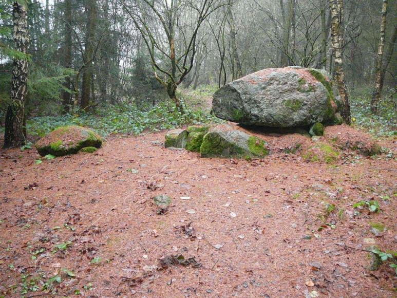 Großsteingräber im Everstorfer Forst bei Grevesmühlen