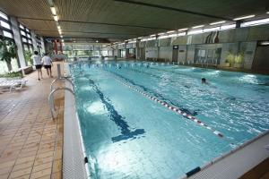 Schwimmhalle im Hallenbad Sonnenberg