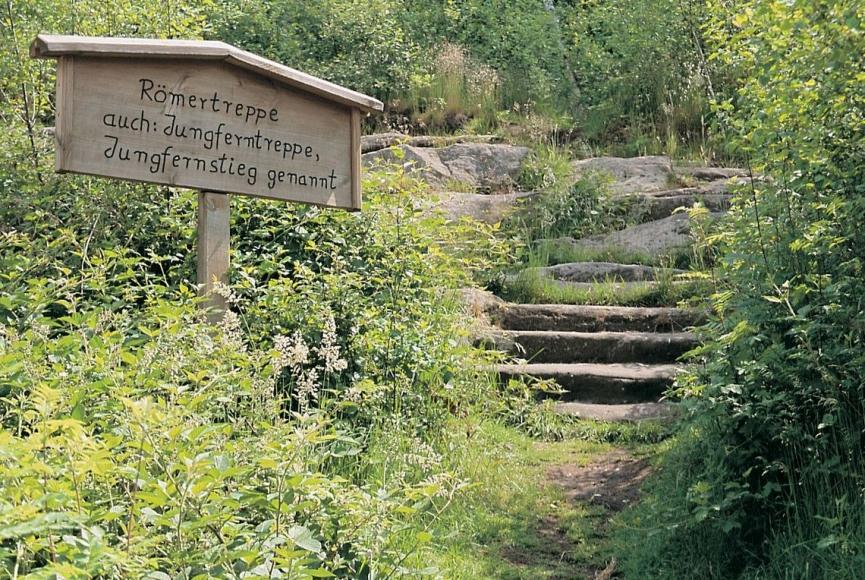 Historischer Wanderweg im Kasbruchtal bei Neunkirchen