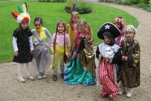 Verkleidete Kinder beim Kindergeburtstag im Museum Nienburg