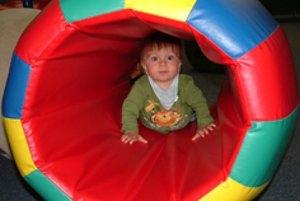 Regenbogen-Spielhaus in Pirmasens