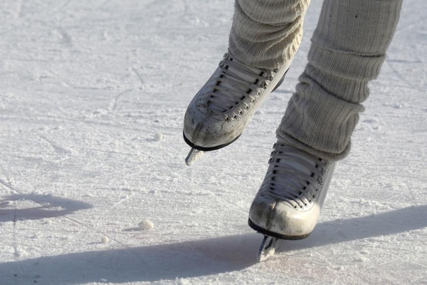 Symbolfoto Eislaufen auf dem Hattsteinweiher in Usingen