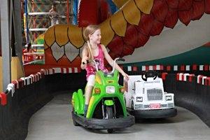 Kinder Spiel & Spaß Fabrik