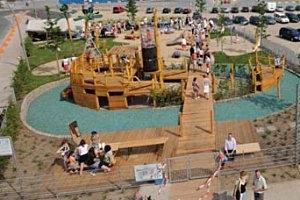 Spielplatz am Grasbrookhafen in der HafenCity Hamburg