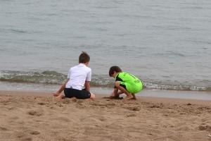 Kinder am Sandstrand