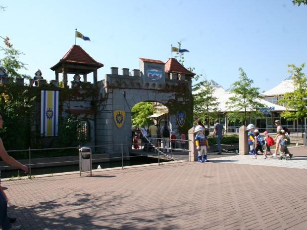 Eingang des FunParks