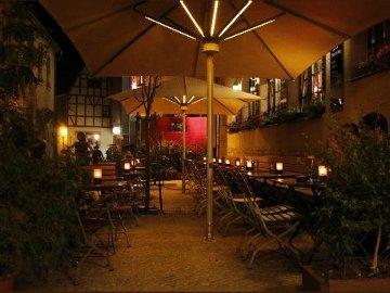 Genießen im Gasthaus (c) Wenzel Prager Bierstuben Halle