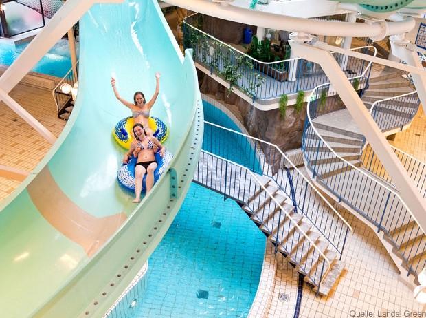 Spaß auf der Riesenrutsche Erlebnisbad Bad Sachsa