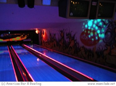 American Bar & Bowling Halle