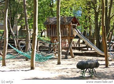 öffentlicher Spielplatz im Bäkepark