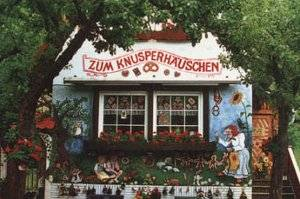 Leckere Windbeutel vernaschen (c) Knusperhäuschen in Bad Wildungen