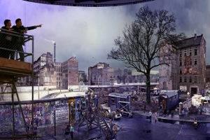 Ausschnitt aus Yadegar Asisis Panorama DIE MAUER mit Besucherplattform und Streichelzoo, gesehen von West-Berlin © asisi GmbH, Foto: Tom Schulze